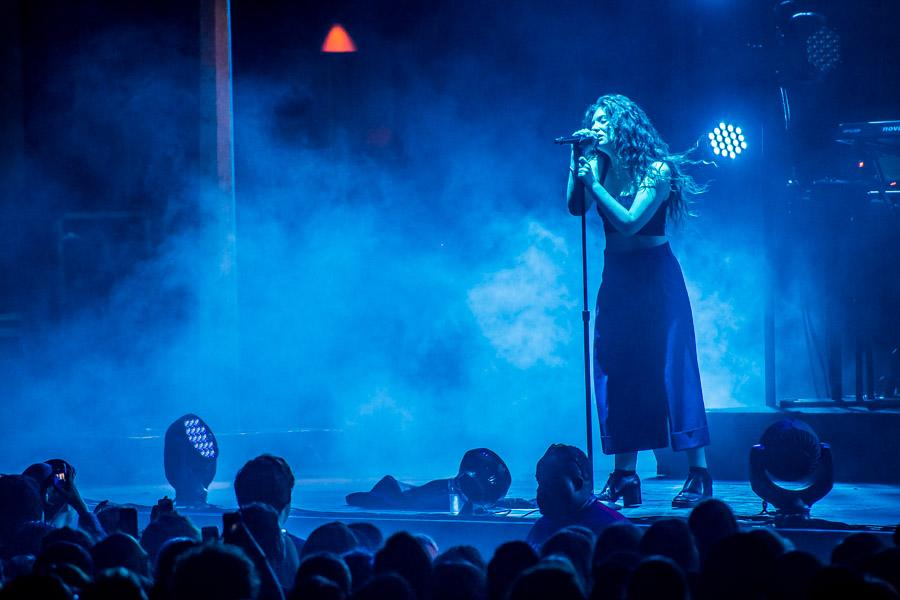 17-year+old%2C+pop+singer%2C+Lorde%2C+gave+a+powerful+and+memorable+performance+in+Milwaukee%2C+Wisconsin%2C+on+September+26th.