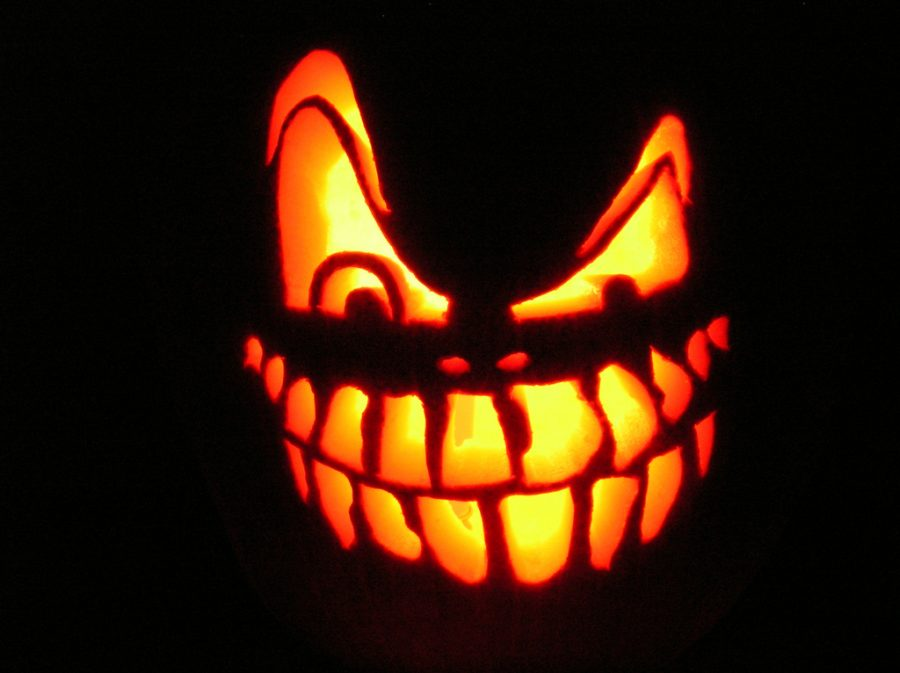 Carving+pumpkins+is+a+fun+and+easy+activity+you+can+do+with+your+family+in+fall.+If+you+don%27t+like+the+mess%2C+there+are+plenty+of+other+options.