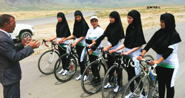 Afghan+women+line+up+before+the+ride.+The+women+are+riding+to+promote+women%27s+rights+across+their+country+and+the+rest+of+the+world.+
