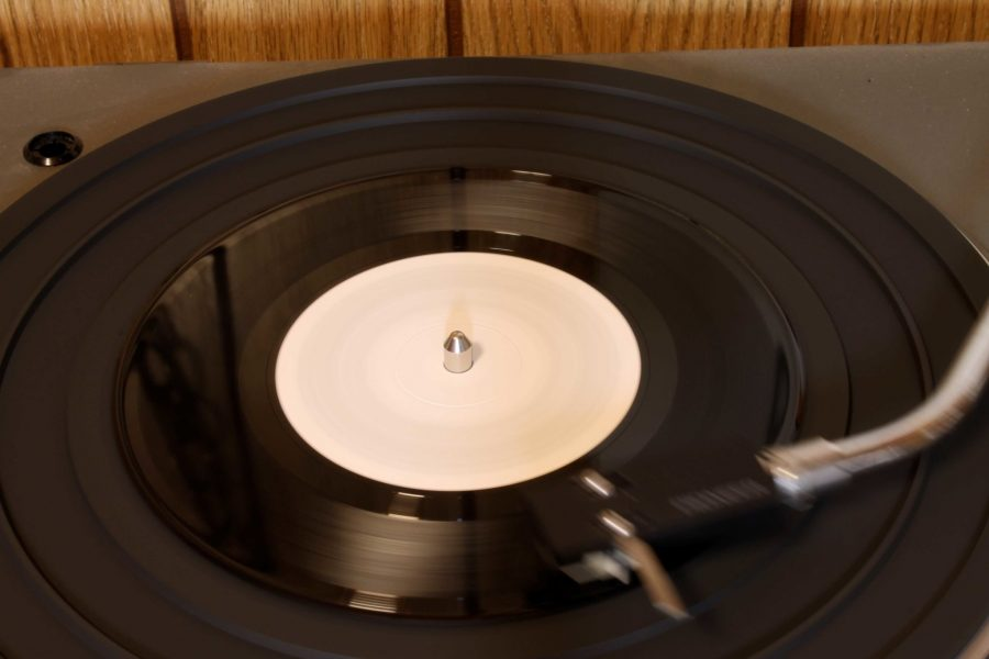 Why Vinyl is going to outsell CD's for the first time in 32 years
