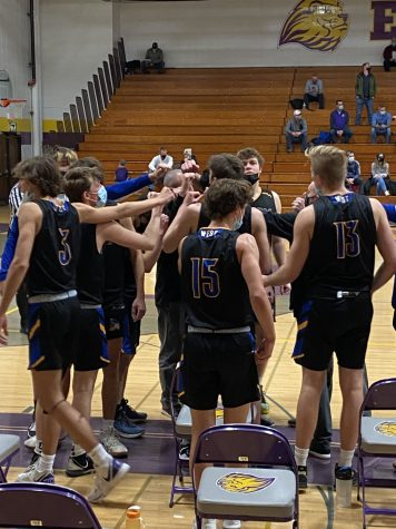 West Basketball Shocks Everyone, Upsets Ike in Dramatic Fashion